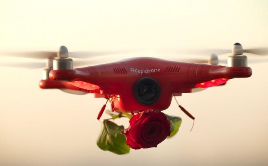 Valentine: Schreurs loves Red Naomi! # Cupidrone.