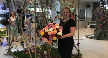 Schreurs sponsort Bo en helpt haar afstuderen